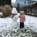 Community Foto für Möllers Omega-3 Mädchen neben einem Schneemann